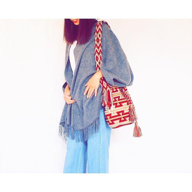 ワユーバッグは冬のコーデとの相性も  #blueandjazzmin #ワユーバッグ #wayuubag #colombia #おすすめ #フェアトレード #boho #love #hippie #ボヘミアン #ファッション #colorful #fashionlover #ハンドメイド #セレクトショップ #ワユーモチラ #ニットコーデ #newarrival #冬