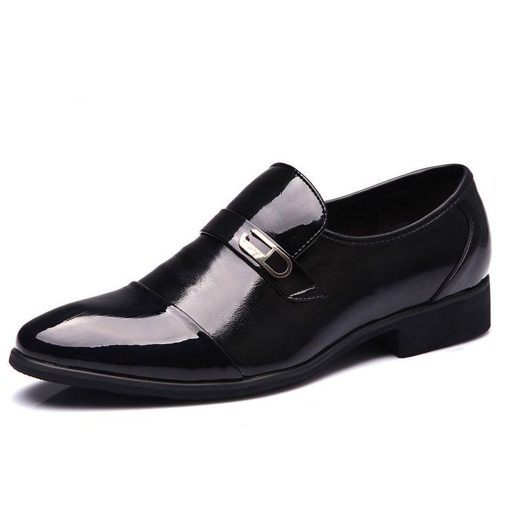 Hombres calientes de la venta de la oficina de charol Zapatos otoño primavera nueva moda padrinos y el novio de la boda Zapatos antideslizantes tamaño 39-44(China (Mainland))