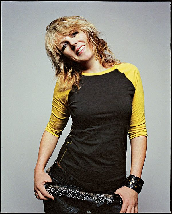 ultimate in cooolllnesss...saw her in concert two weeks ago....I <3 Lucinda
