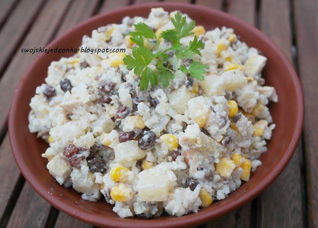 Swojskie jedzonko: Sałatka z ananasem,rodzynkami i prażonym słoneczni...