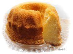 Tämän kakun ohje on ehdottomasti jaettava. Miksi? - kakku on äärettömän helppo ja nopea valmistaa - kakun rakenne on pehmeä, pumpul...