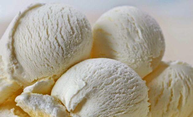 O coco realça o sabor dos alimentos, sendo excelente no preparo de bebidas, pratos doces e salgados, substituindo com vantagem nozes e amêndoas nos diferentes tipos de receitas.  http://cakepot.com.br/sorvete-cremoso-de-coco/