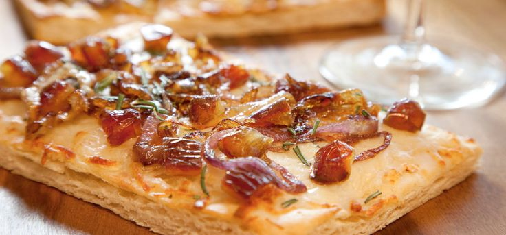 Medjool Date and Caramelized Onion Flat Bread Pizza | Oldways