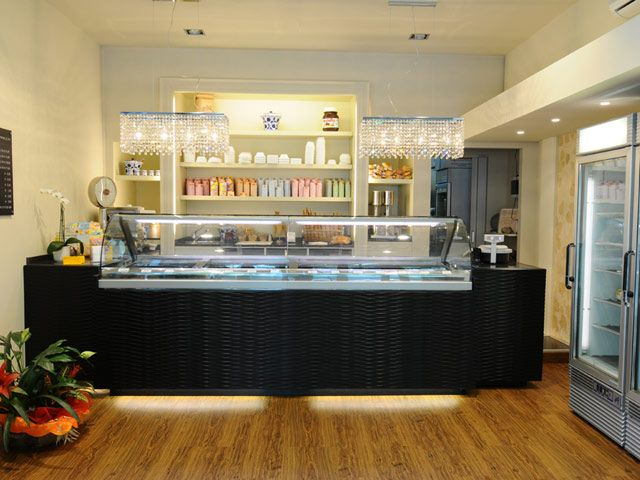Your ice cream shop doesn 39 t have to have alot of equipment for Interior decoration equipment