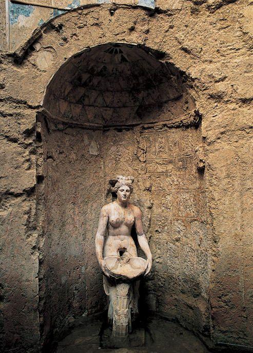 Allianoi antik kenti/Bergama/İzmir/// Allianoi antik kalıntılarının, Bergama'nın 18 kilometre kuzeydoğusunda, Yortanlı Barajı gölet alanın tam ortasında bulunuyor .