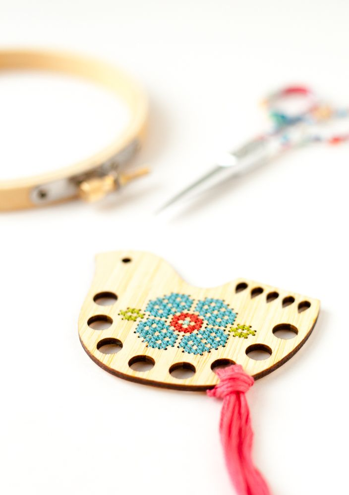 A cute way to organizer your embroidery floss. Stitch your own thread palette with this DIY kit.