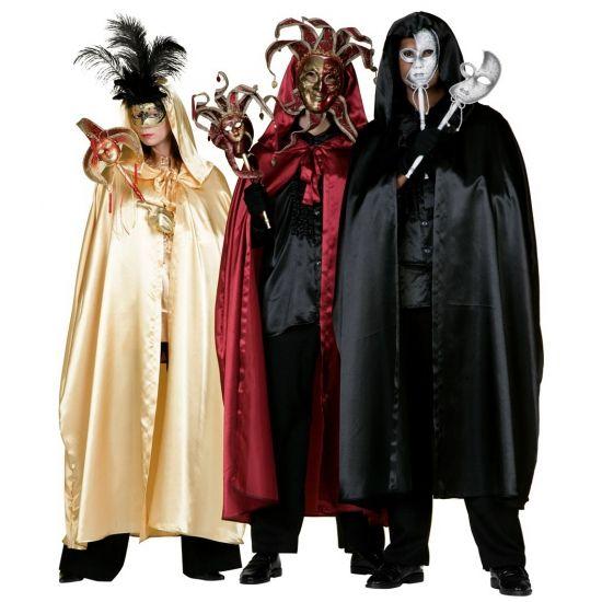 Prachtige zwarte, gouden of rode cape met capuchon. Complimenteer uw duivel, heks of gemaskerd bal kostuum met een van deze glanzende capes.