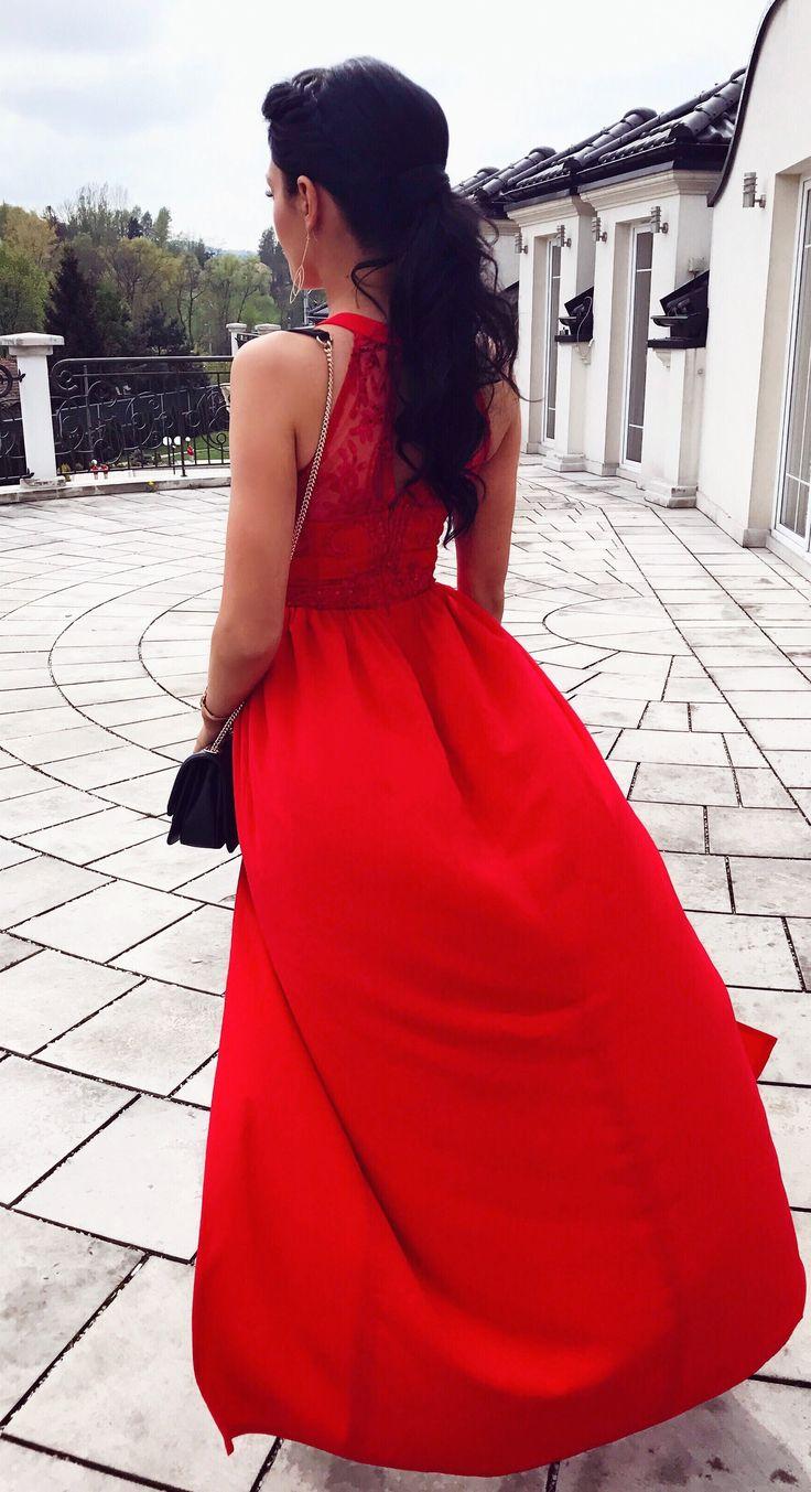 Maxidress czerwona sukienka na wesele. Idealna sukienka dla świadkowej!  #madeinpoland  369zł www.illuminate.pl