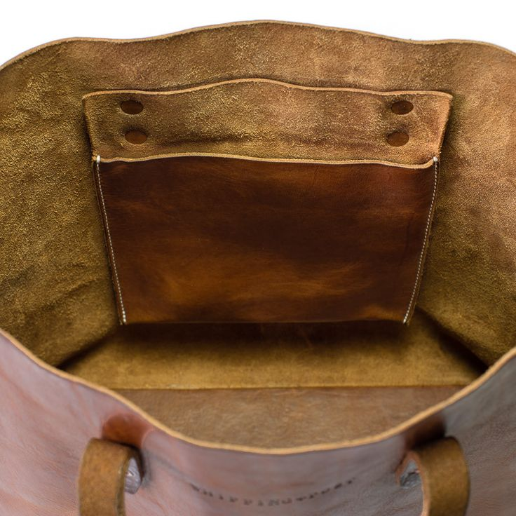 Leather tote bag with pockets
