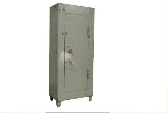 Large vintage safe or locker  vintage industrial by VintiquesVOF