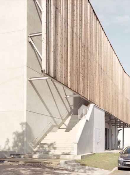 La construcción y renovación de cuatro edificios industriales y un parque acuático. - Noticias de Arquitectura - Buscador de Arquitectura