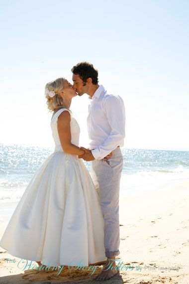 Check out this brides beautiful dress perfect for the hot algarve weather
