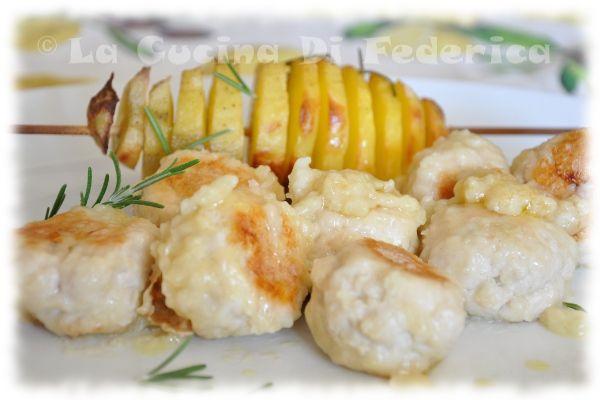 Polpettine di tacchino al rosmarino e sfogliatelle di patate