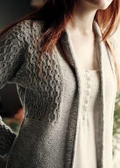 La ligne verticale et la modification de texture au niveau de la poitrine peuvent être avantageuses.  Lace Cardigan Knitting Pattern - Easy Lace Sweater Pattern - Cerisara - Downloadable Knitting Patterns - Chic Knits Knitting Patterns