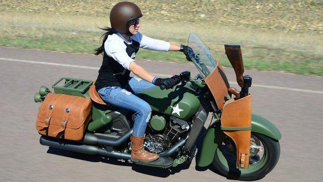 Indian baut Motorrad mit Gewehr-Halterung #jagdwechsel #jagd #jäger