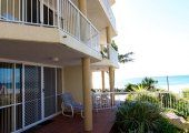 Crystal Beach - Private Balcony - Coolangatta Airport Accommodation