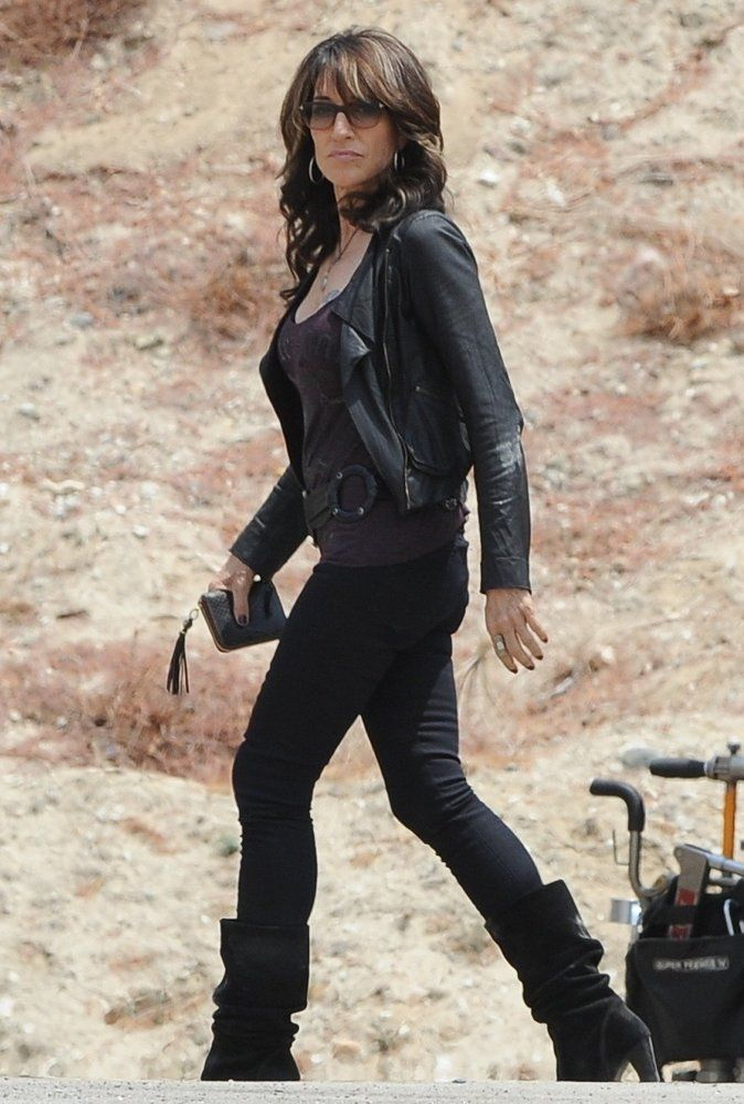 Katey Sagal Sons of Anarchy | katey-sagal-on-the-set-of-sons-of-anarchy-04.jpg