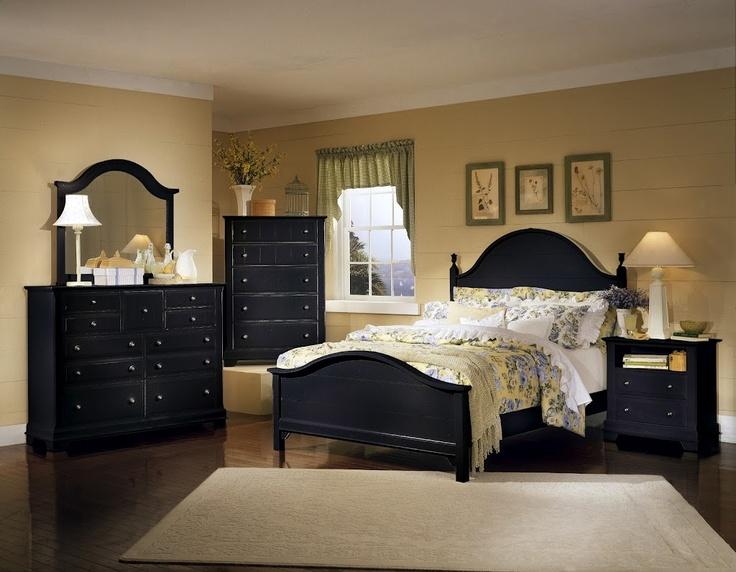 Mirrored bedroom furniture