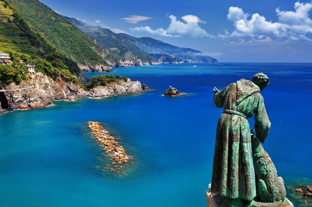 Monterosso and the statue of St. Francis with the wolf of ...