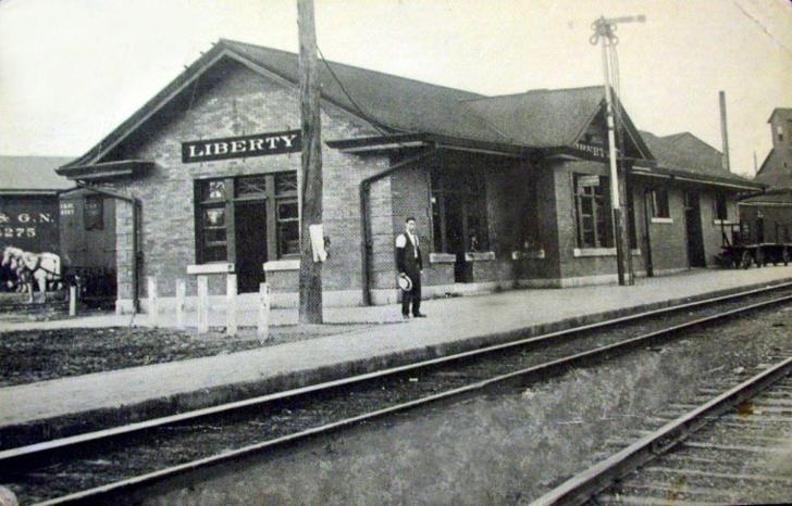 9f2da2af17c10f852080357910586fb2 - How Early Should I Get To The Train Station