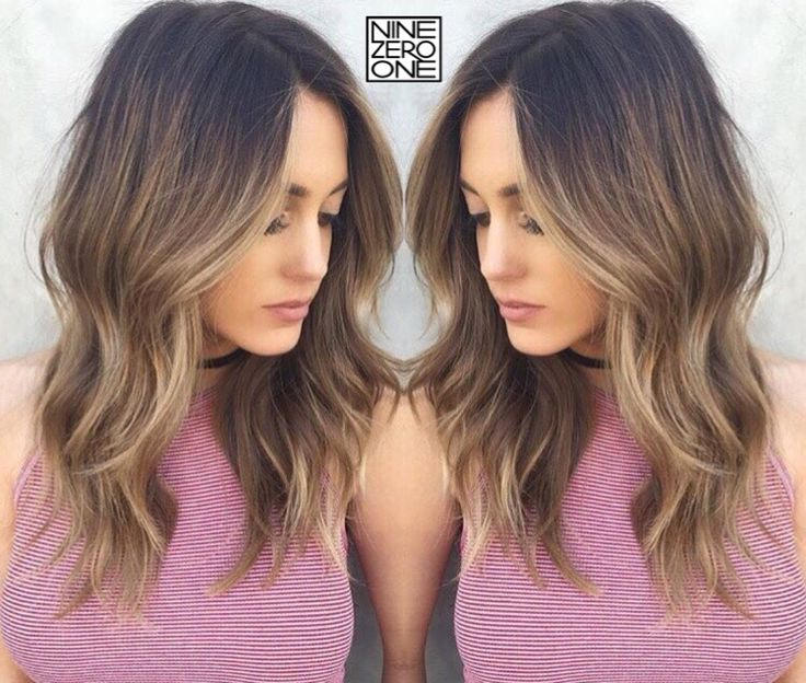 Major hair crush on this bronde bae @ariellereitsma by @nikkilee901!  #901formula: Started by doing a base using L'oreal Dia Richesse 5.01 & 5.12 equal parts with 9vol. Then balayaged some bright pieces throughout the bottom with Blondor and 30vol. After glossing her with L'oreal Dia Light & 6vol. #formulafridays