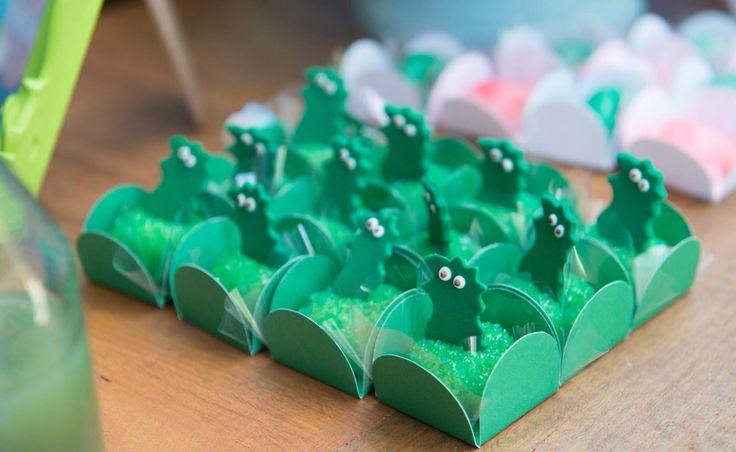 Beijinhos de dinossauro Festa George Pig