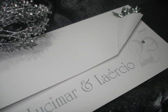 Modelo de Convite Bodas de Prata. Descarta uso de envelopes,  Design diferenciado, modelo adaptado para Casamento ou Noivado.   VALOR ESTIPULADO PARA PEDIDOS DE 100 UNIDS.   Entrega para todo o Brasil R$ 2,80