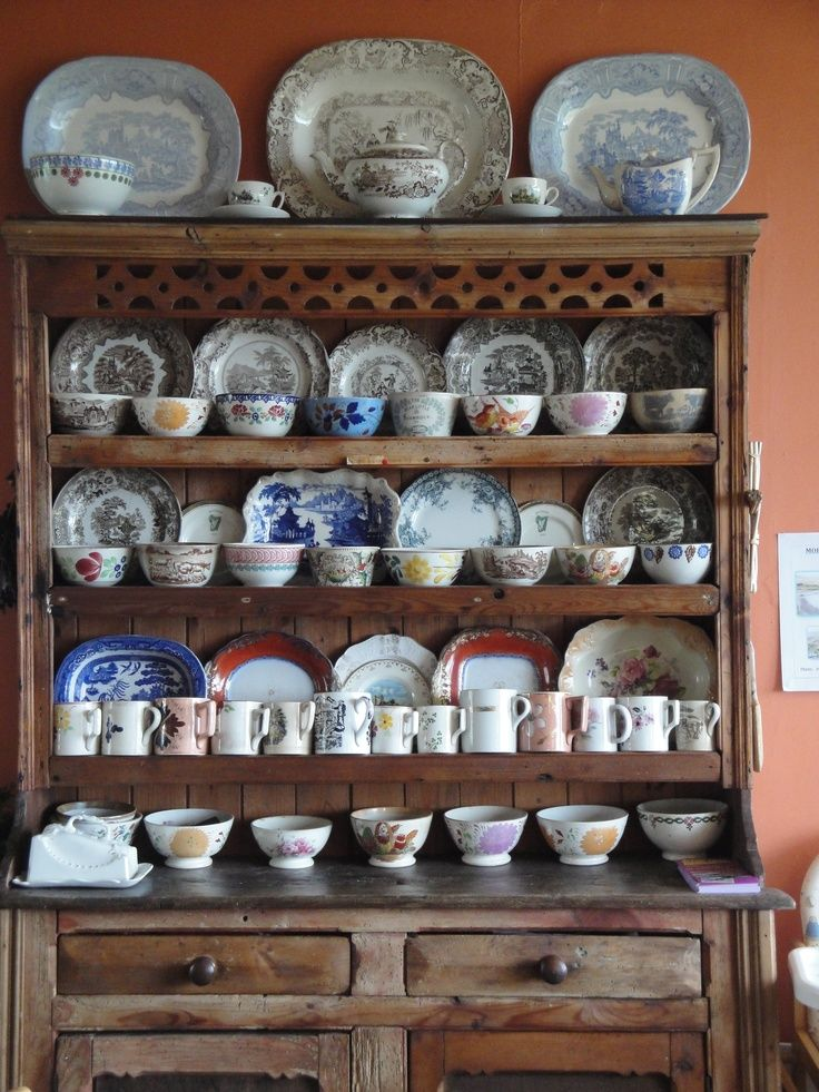 historic english country style  | cozy cafe old english country style | Beautiful Things