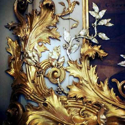 Splendid gilded Rococo carvings.