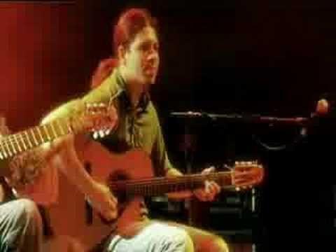 Rodrigo y Gabriela - Diablo Rojo  Crazy amazing fast guitar playing!