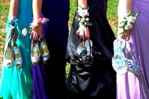 Prom group pose idea by Victoria Lynn Photography, South Florida (828)223-5195