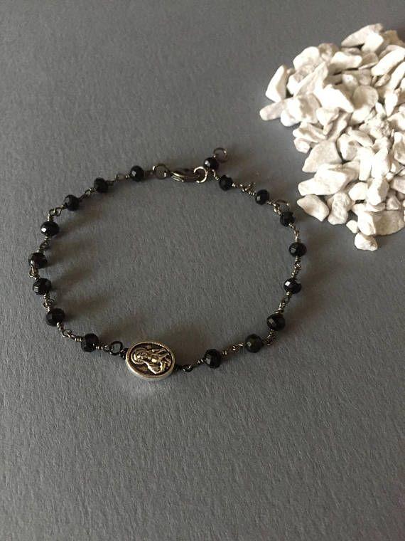Bracciale con catena a rosario perline mezzo cristallo nero e