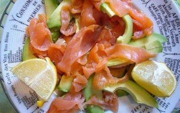 Insalata di avocado e salmone affumicato - La ricetta di Buonissimo