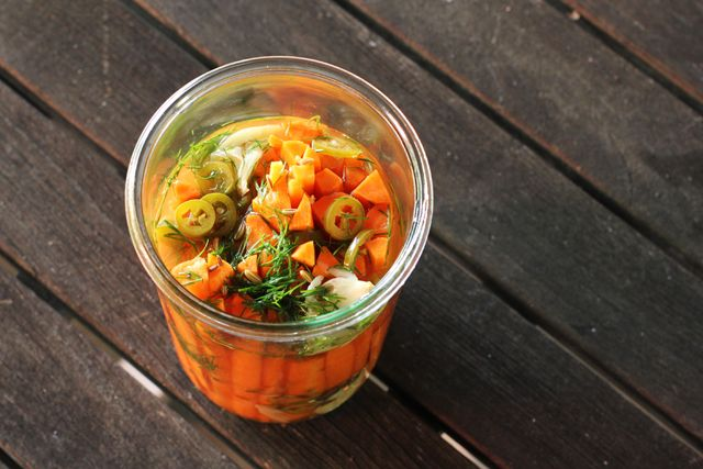 Pickled Carrots with Dill and Serrano