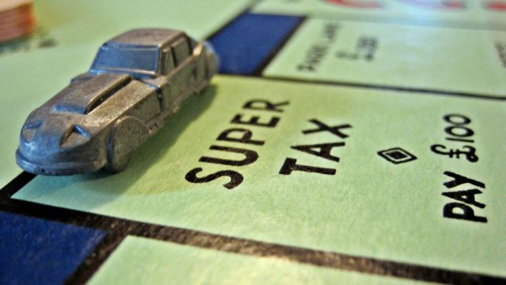 In the U.S., the tax filing deadline is a little more than a week away. If you're one of those people who waits until the last minute, here's how your car might figure into that.