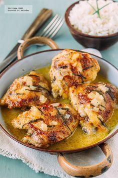 Receta de pollo con ceveza y mostaza. Receta con fotografías del paso a paso y recomendaciones de degustación. Recetas de pollo y aves