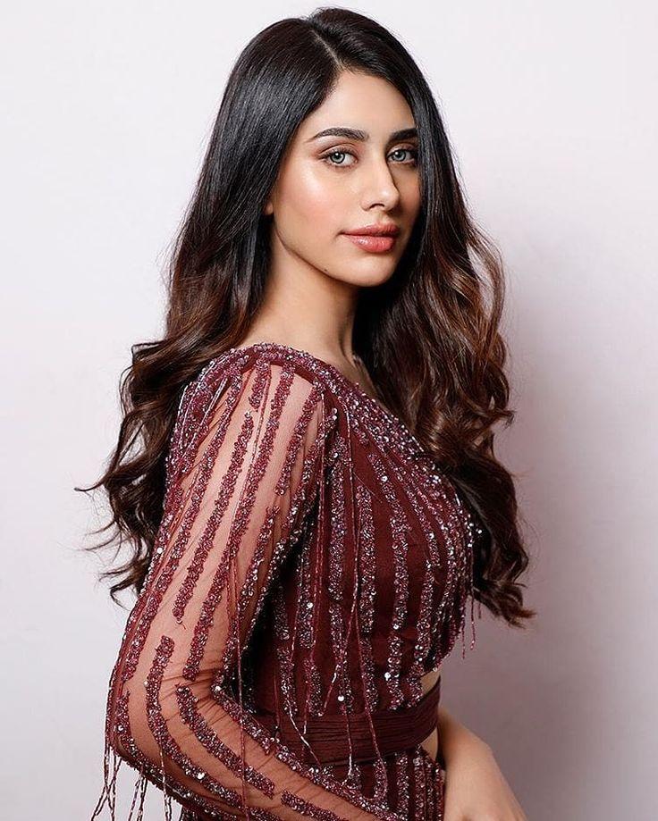Pin by jimmy bitt on Warina Hussain | Bollywood girls