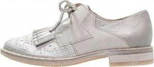 Deze prachtige schoenen zijn nu in de aanbieding! Je vindt ze via Aldoor #mode #dames #vrouwen #schoenen #zilver #women #fashion #shoes #silver #sale