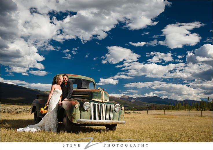 my obsession with truck wedding pictures is a bit excessive but I can't help it