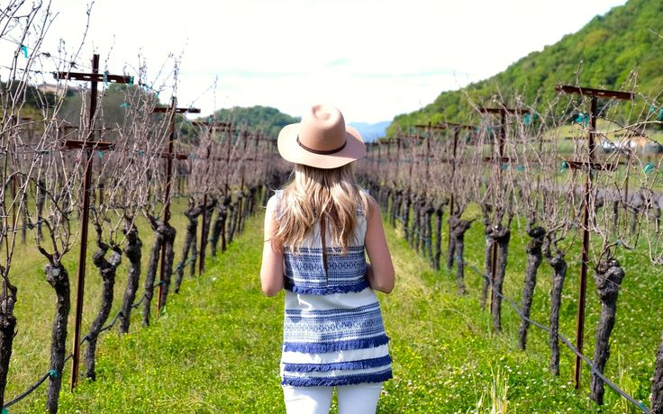 Nice spring and summer outfit for wine tasting. #VisitNapaValley