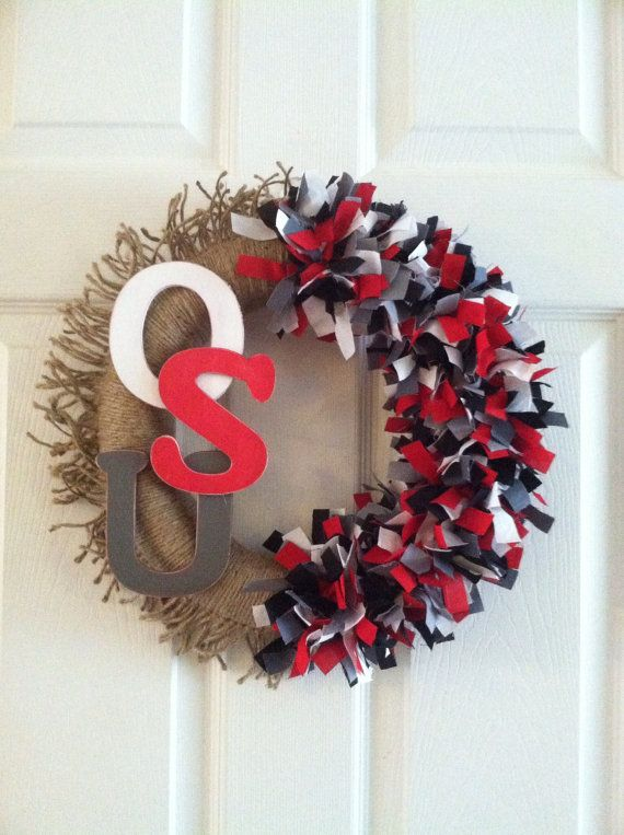 This Friday's Pinspiration comes from this Ohio State wreath. We love this…