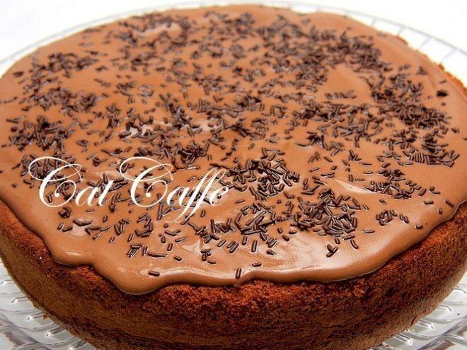 Receita Sobremesa : Bolo de chocolate molhado de Catcaffe