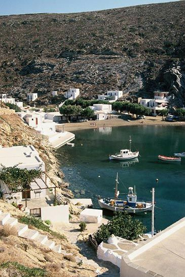 Sifnos Island...Just south of Faros lies the long sweep of sand that is Platys Gialos, arguably the island's finest beach. There's little serious development, just small pensions and rooms, including Ageliki's near the far end.  On the west coast, is the horseshoe-shaped bay of Vathi, another wonderful sheltered stretch of sand with a tiny village with a toy church on the toy quayside at the far end, supported by a couple of tavernas.