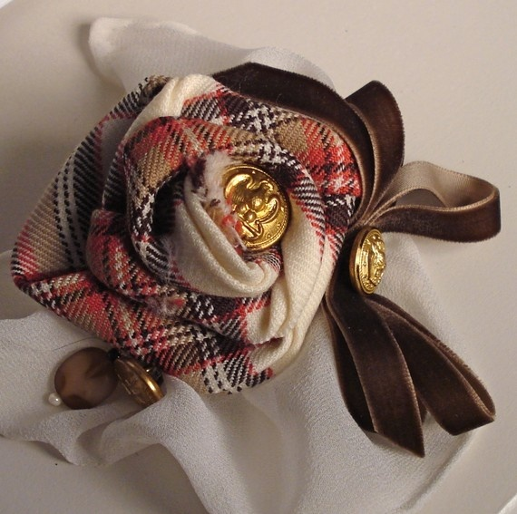 Tartan rose fabric brooch - Etsy $18.00