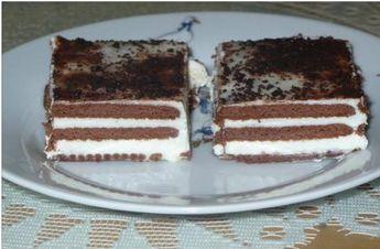 Vynikající jednoduché řezy bez pečení. Krém ze zakyselé smetany je lahodný a v kombinaci se sušenkami je TOP! Autor: Monička