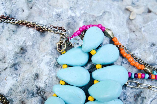 DIY Bib Necklace by Stacie Stacie Stacie, via Flickr