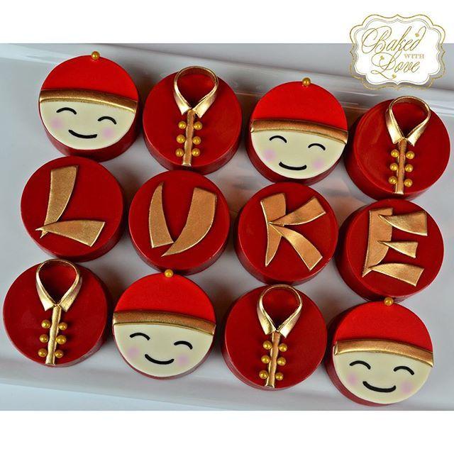 Chinese themed chocolate covered Oreos for Luke's 1 month of birth celebration!! ❤️㊙️㊗️🈵🈲❤️ #chinese #baby #1month #chocolate #chocolatecoveredoreos #oreos #miami #miamioreos #miamibaker #bakedwithlove