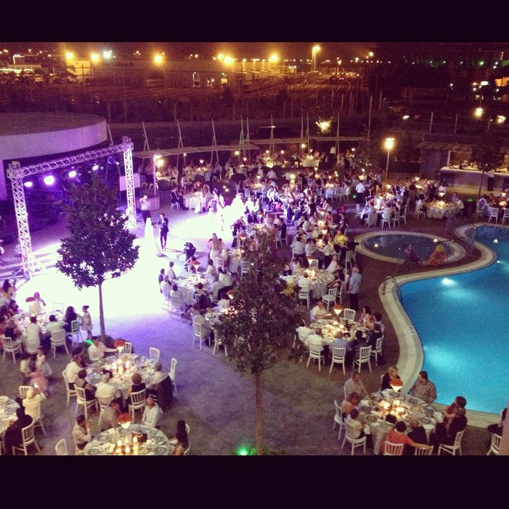 We are delighted to host this beautiful wedding! Bride and groom dancing in front of their beloved ones.  #sheraton #bursa #sheratonbursa #hotel #turkish #wedding #bride #groom #dancing #pool #outdoors #love #marriage
