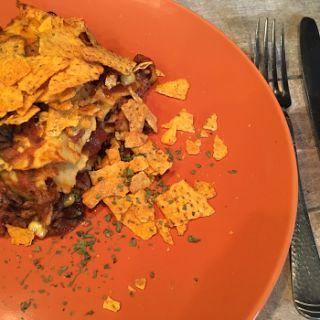 Mexicaanse lasagne - Lasagne met zwarte bonen, mais, gehakt, lasagnebladen en Mexicaanse kruiden - Lekker eten met Marlon
