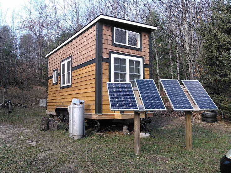Traverse City Tiny House | A 230 square feet (lofts included) tiny house on